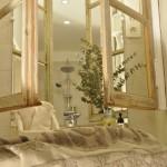 Une vue de la salle d'eau de la chambre sur jardin thumbnail